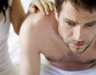 Почему болит яичко у мужчин